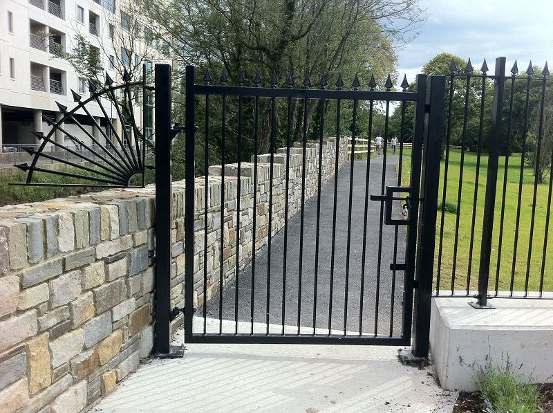 Irish-Fencing-Railings-Ltd-Gates-Range-G01-Single-Leaf-Swing-220-2
