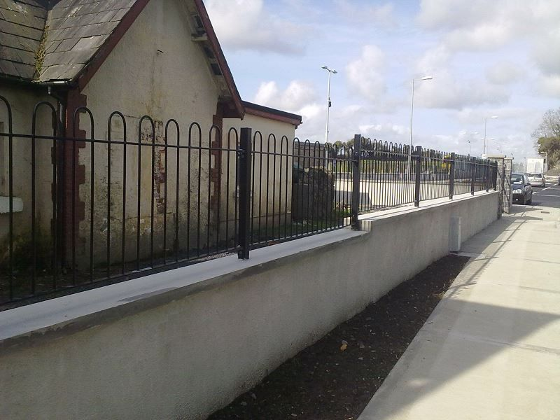 Irish-Fencing-Railings-Ltd.-Railings-Range-C03-Bow-Top-Railings-66