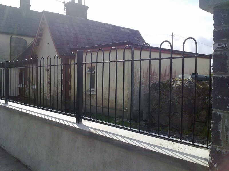 Irish-Fencing-Railings-Ltd.-Railings-Range-C03-Bow-Top-Railings-67