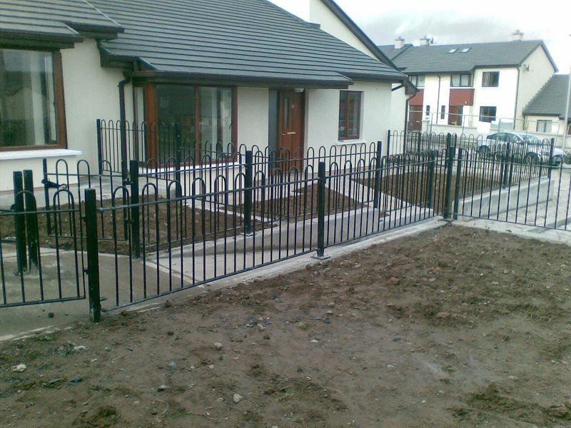 Irish-Fencing-Railings-Ltd.-Railings-Range-C03-Bow-Top-Railings-72