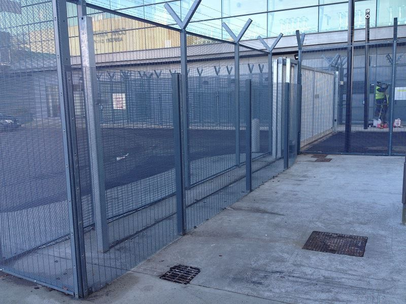 Irish-Fencing-Railings-Ltd.-Mesh-Perimeter-Range-A05-358-Mesh-54