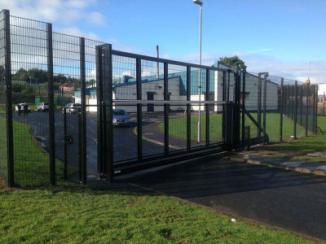 Kinsale-Security-Mesh-and-Inova-Sliding-Gate-Belfast-Health-Centre-Mica-Drive-Belfast