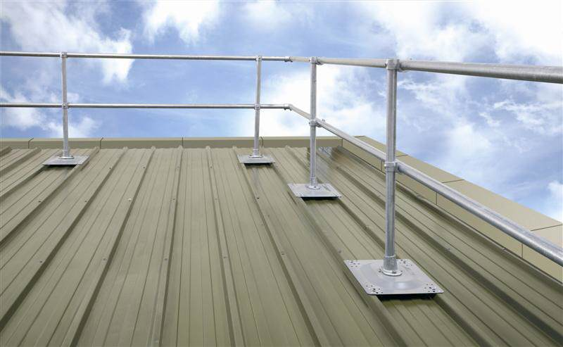 irish_fencing__railings_ltd._-_kee_safety_range_m03_kee_guard__free_standing_roof_edge_protection_top_12_medium