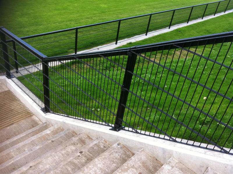 irish_fencing__railings_ltd._mesh_sports_ranges_b.07_specterail_sports_20_medium