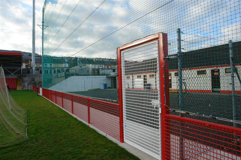 irish_fencing__railings_ltd._mesh_sports_ranges_b.07_specterail_sports_28_medium