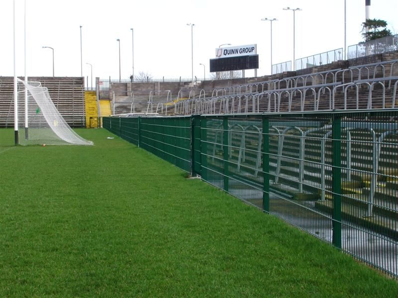 irish_fencing__railings_ltd._mesh_sports_ranges_b.07_specterail_sports_35_medium