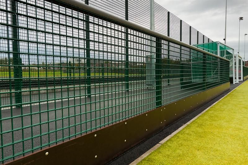irish_fencing__railings_ltd._mesh_sports_ranges_b.07_specterail_sports_41_medium