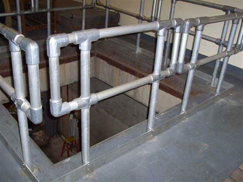 irish_fencing__railings_ltd_kee_safety_range__m05_kee_lite_aluminium_safety_barrier_3_medium