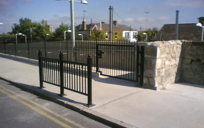 Irish-Fencing-Railings-Ltd.-Barriers-Range-F04-Guardrail-11