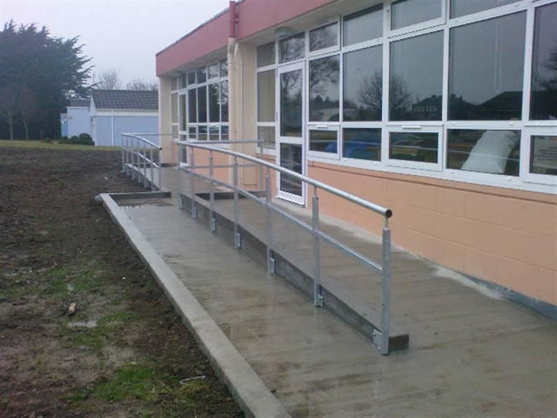Irish-Fencing-Railings-Ltd.-Barriers-Range-F06-Irfen-Handrail-22