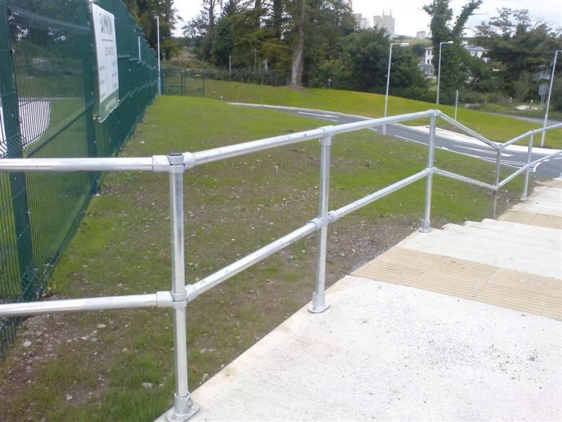 Irish-Fencing-Railings-Ltd.-Barriers-Range-F07-Quick-Clamp-JPG-50