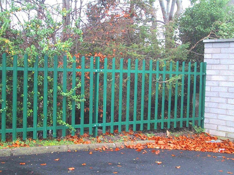 Irish-Fencing-Railings-Ltd.-E04-Palisade-Rounded-Notched-18