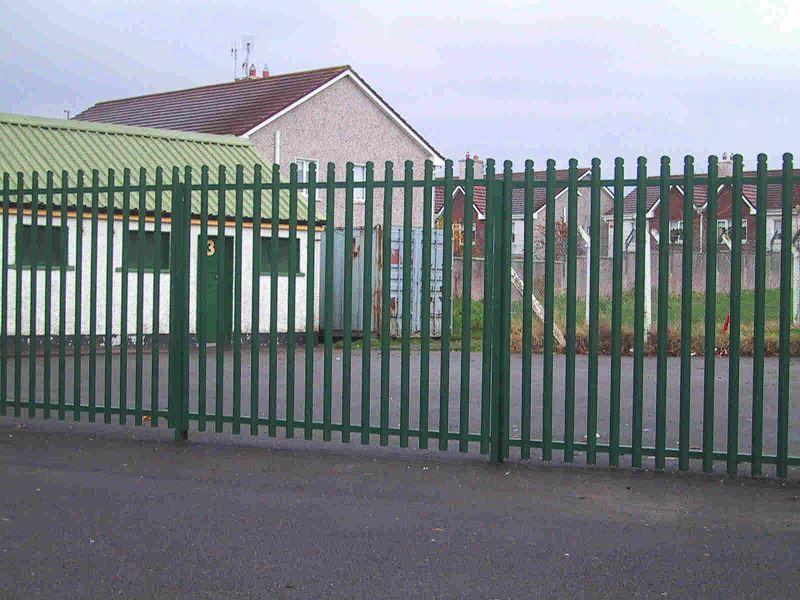 Irish-Fencing-Railings-Ltd.-E04-Palisade-Rounded-Notched-20