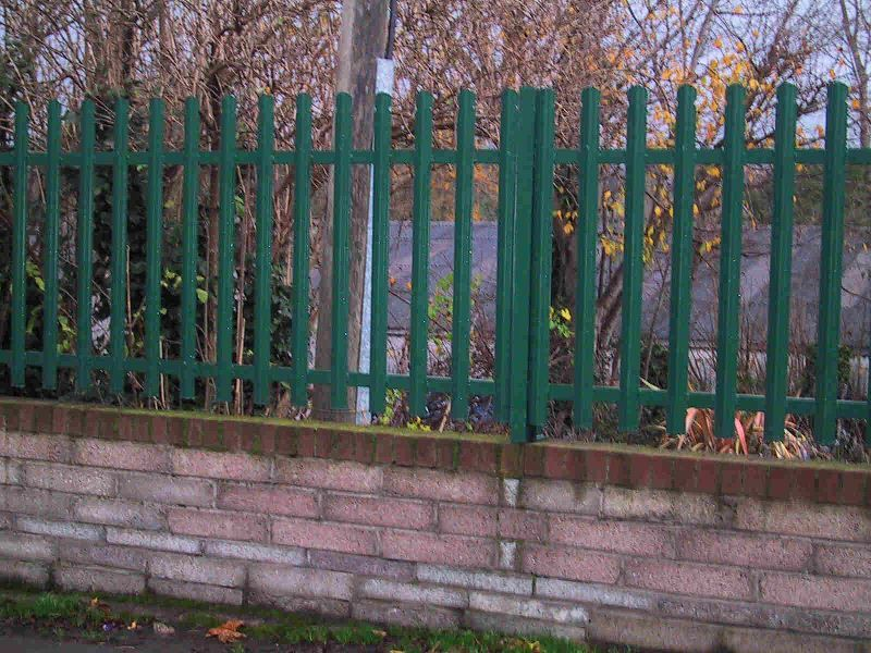 Irish-Fencing-Railings-Ltd.-E04-Palisade-Rounded-Notched-23