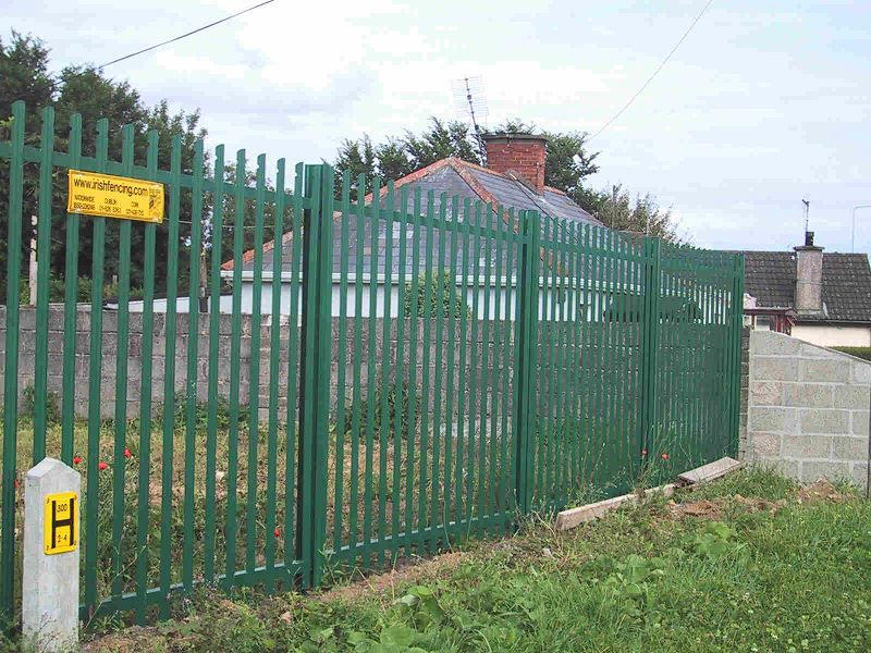 Irish-Fencing-Railings-Ltd.-E04-Palisade-Rounded-Notched-24