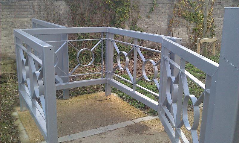 Irish-Fencing-Railings-Ltd.-Gates-Range-G05-–-Kissing-Gate-15