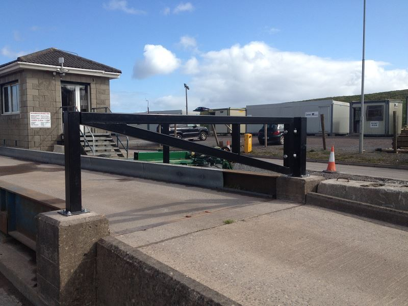 Irish-Fencing-Railings-Ltd.-Gates-Range-G09-–-Anti-Ram-Barrier10-