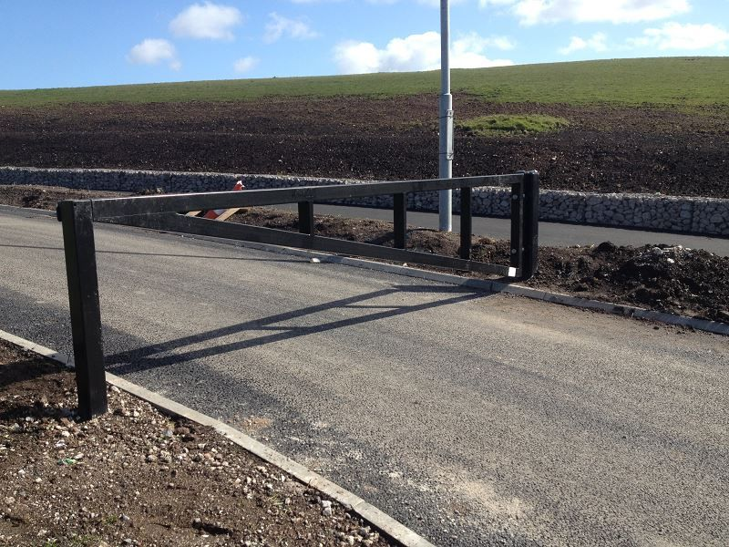Irish-Fencing-Railings-Ltd.-Gates-Range-G09-–-Anti-Ram-Barrier11-