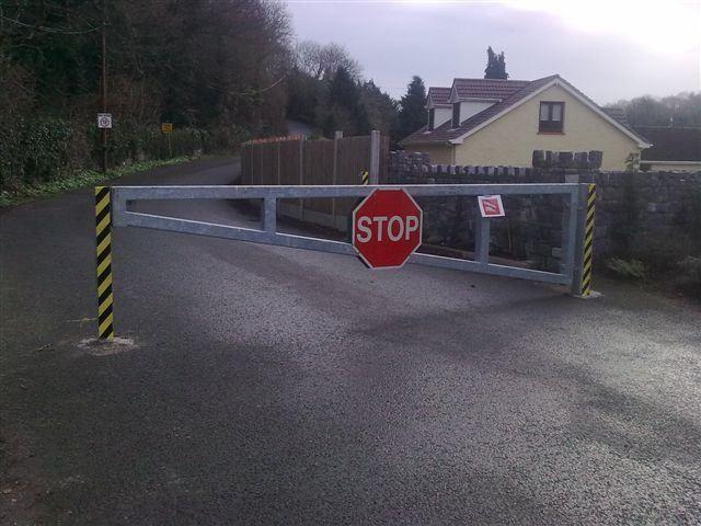 Irish-Fencing-Railings-Ltd.-Gates-Range-G09-–-Anti-Ram-Barrier8-