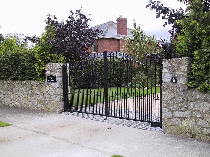 Irish-Fencing-Railings-Ltd.-Gates-Range-G11-–-Domestic-Gates-123