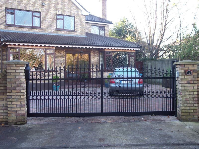 Irish-Fencing-Railings-Ltd.-Gates-Range-G11-–-Domestic-Gates-124