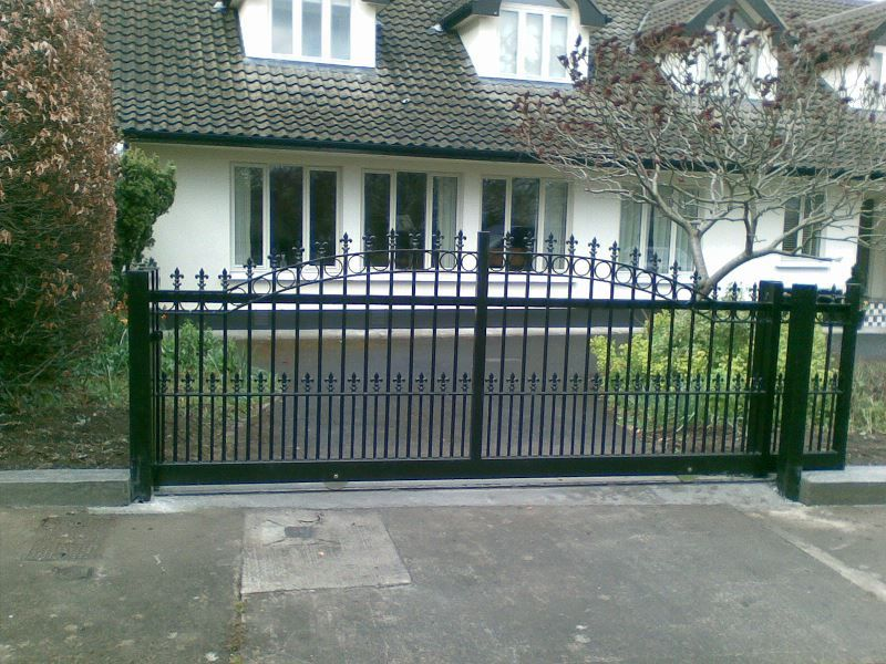 Irish-Fencing-Railings-Ltd.-Gates-Range-G11-–-Domestic-Gates-133
