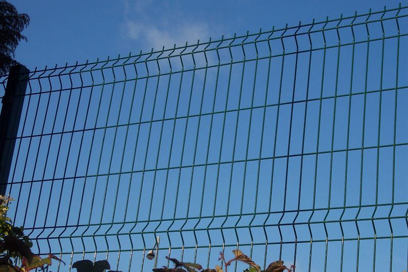 Irish-Fencing-Railings-Ltd.-Mesh-Perimeter-Range-Kylemore-200x50mm-V-Mesh-103