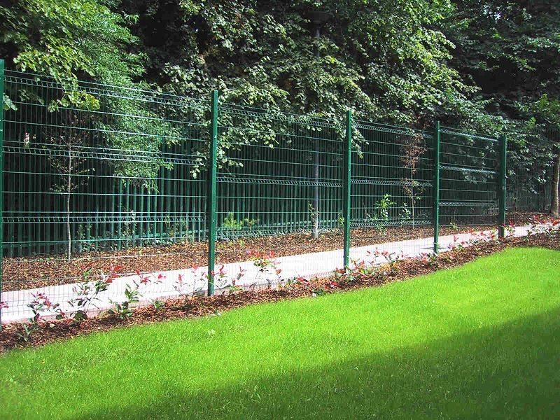 Irish Fencing Railings Ltd. Mesh Perimeter Range Kylemore 200x50mm V Mesh 142