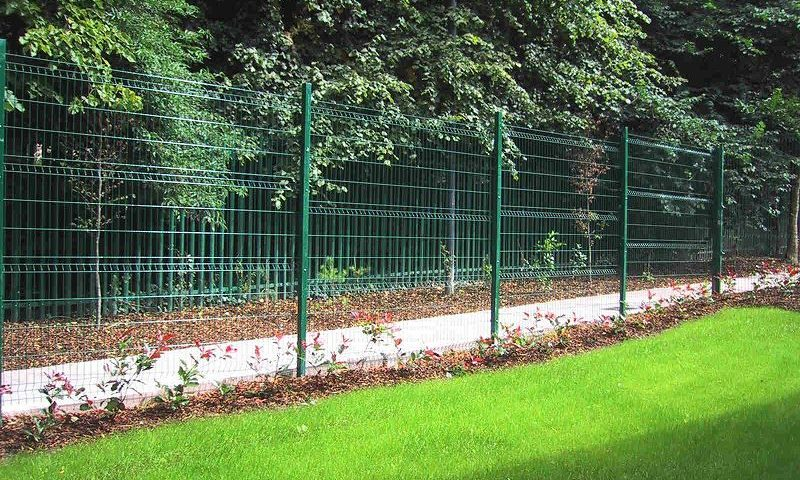 Irish-Fencing-Railings-Ltd.-Mesh-Perimeter-Range-Kylemore-200x50mm-V-Mesh-142
