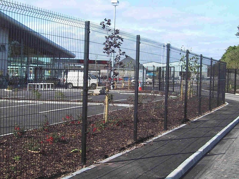 Irish-Fencing-Railings-Ltd.-Mesh-Perimeter-Range-Kylemore-200x50mm-V-Mesh-15