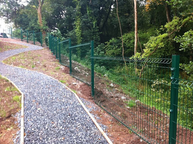 Irish-Fencing-Railings-Ltd.-Mesh-Perimeter-Range-Kylemore-200x50mm-V-Mesh-16