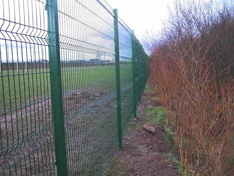 Irish-Fencing-Railings-Ltd.-Mesh-Perimeter-Range-Kylemore-200x50mm-V-Mesh-191