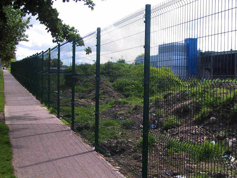 Irish-Fencing-Railings-Ltd.-Mesh-Perimeter-Range-Kylemore-200x50mm-V-Mesh-211