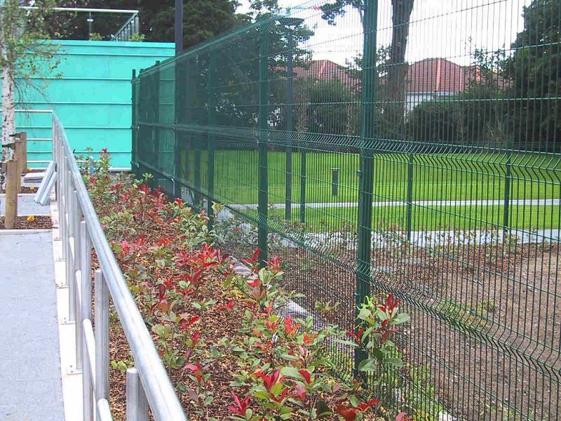 Irish-Fencing-Railings-Ltd.-Mesh-Perimeter-Range-Kylemore-200x50mm-V-Mesh-22