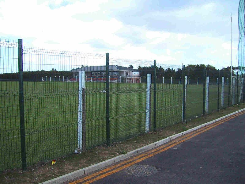 Irish-Fencing-Railings-Ltd.-Mesh-Perimeter-Range-Kylemore-200x50mm-V-Mesh-221