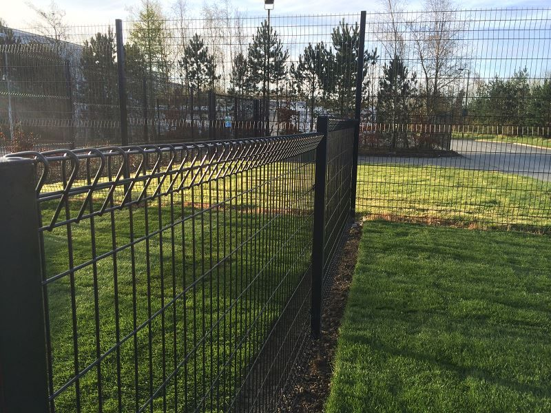 Irish-Fencing-Railings-Ltd.-Mesh-Perimeter-Range-Kylemore-200x50mm-V-Mesh-251