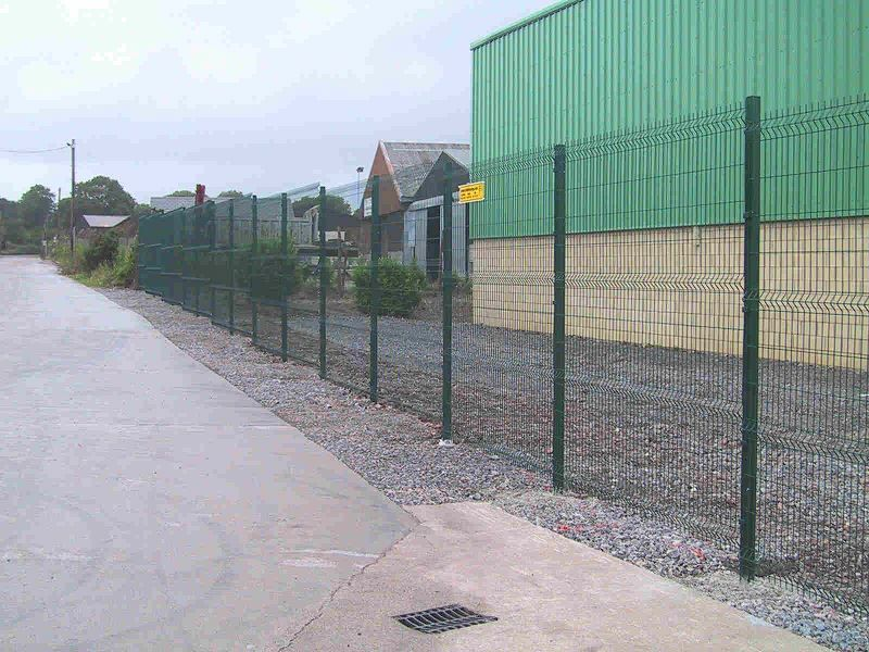 Irish-Fencing-Railings-Ltd.-Mesh-Perimeter-Range-Kylemore-200x50mm-V-Mesh-261