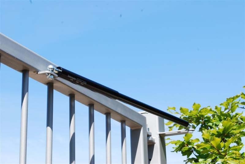 Irish-Fencing-Railnigs-Ltd-H03-Irfen-Gate-Closer-Medium