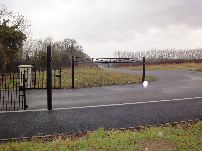 Irish-Fencing-and-Railings-Ltd-G08-Height-Restriction-Barrier-1