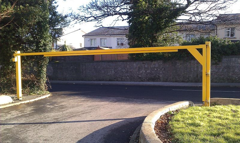 Irish-Fencing-and-Railings-Ltd-G08-Height-Restriction-Barrier-4