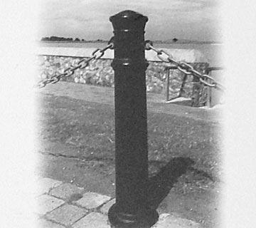 L01-Street-Furniture-Bollard-18