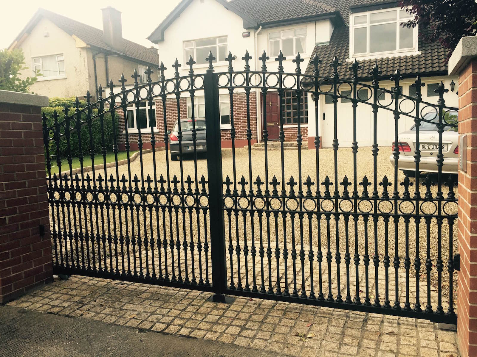 residential-gates-160216