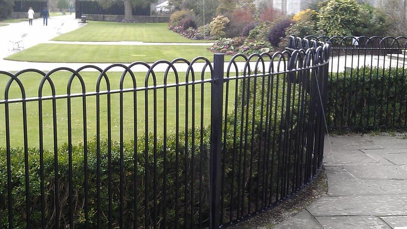 Irish-Fencing-Railings-C-03-Interlaced-bow-Top-15