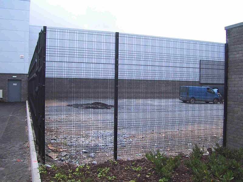 Irish-Fencing-Railings-Ltd.-Mesh-Perimeter-Range-A04-Paladin-6