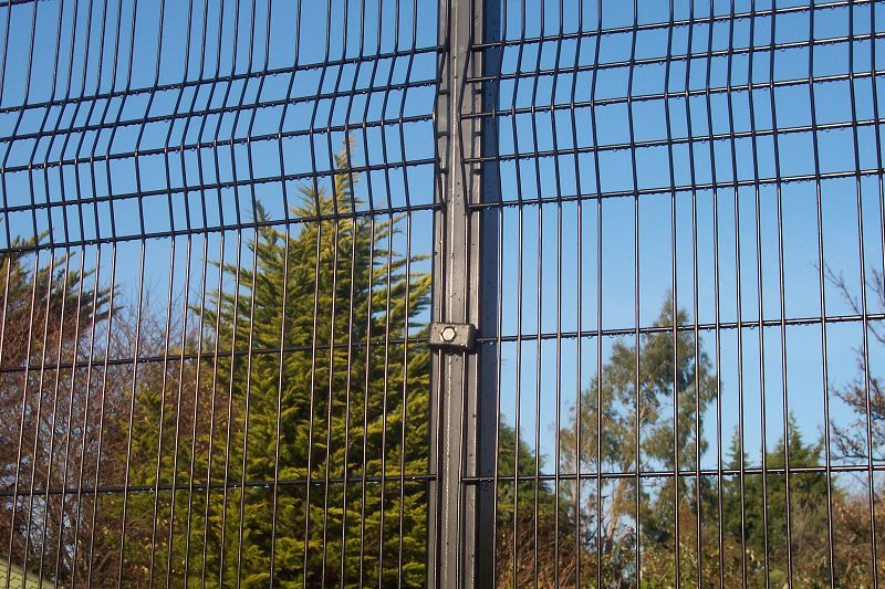 Irish-Fencing-Railings-Ltd.-Mesh-Perimeter-Range-A04-Paladin-9