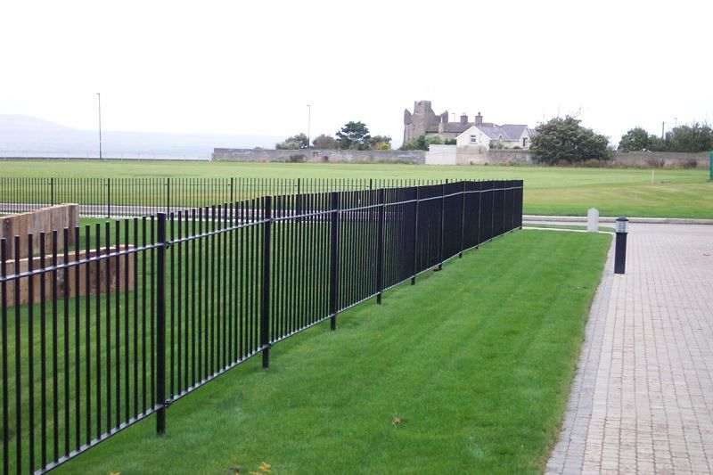 Irish-Fencing-Railings-Ltd.-Railings-Range-C01-Solid-Round-Bar-Railings-11