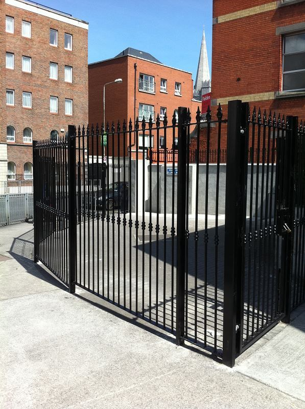 Irish-Fencing-Railings-Ltd.-Railings-Range-C02-Decorative-Railings-01-16
