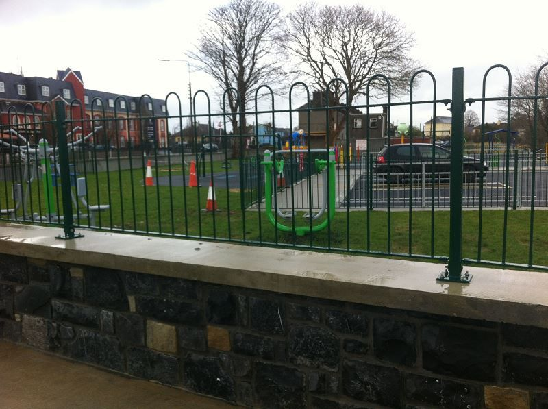 Irish-Fencing-Railings-Ltd.-Railings-Range-C06-Steel-Bow-Top-Railings-Playsp-4