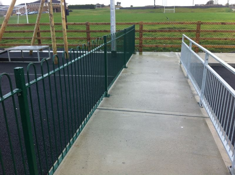 Irish-Fencing-Railings-Ltd.-Railings-Range-C06-Steel-Bow-Top-Railings-Playsp