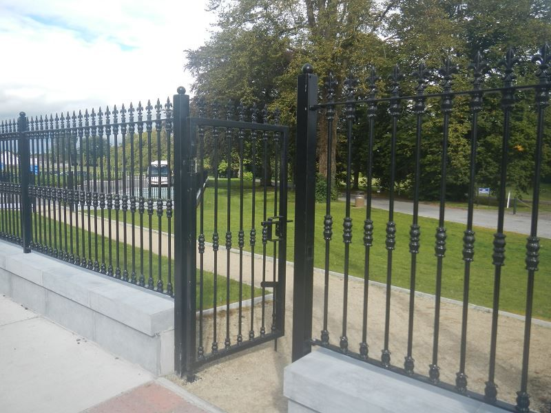 Irish-Fencing-Single-Leaf-Gate-St.-Mels-Cathedral-2